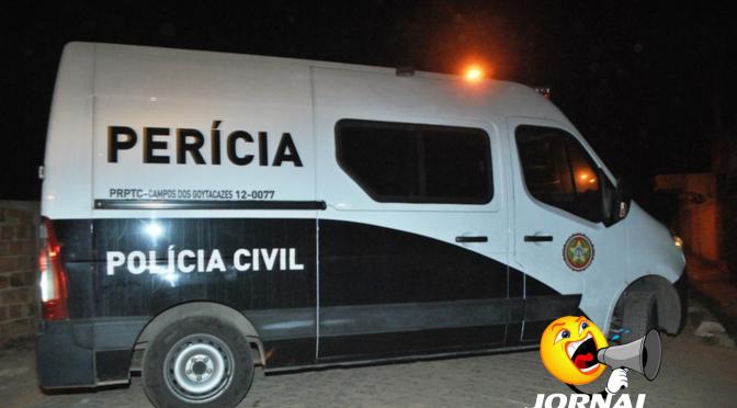 Mulher é encontrada morta com marcas no pescoço em Campos