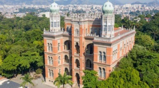 Vacina Covid-19: Fiocruz conclui produção dos primeiros lotes do IFA nacional