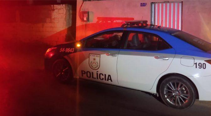 Dois jovens são mortos a tiros dentro de residência em Batelão, São Francisco de Itabapoana